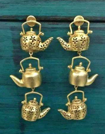 Gold Tone Tea Pot Dangler