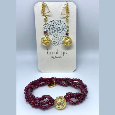 Bracelet Set with Garnet and Golden Earrings