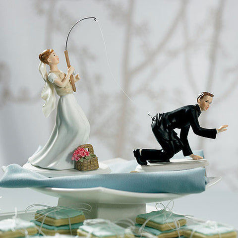 Catch Of The Day Bride And Groom Cake Topper|Figurines de couple  «une grosse prise»