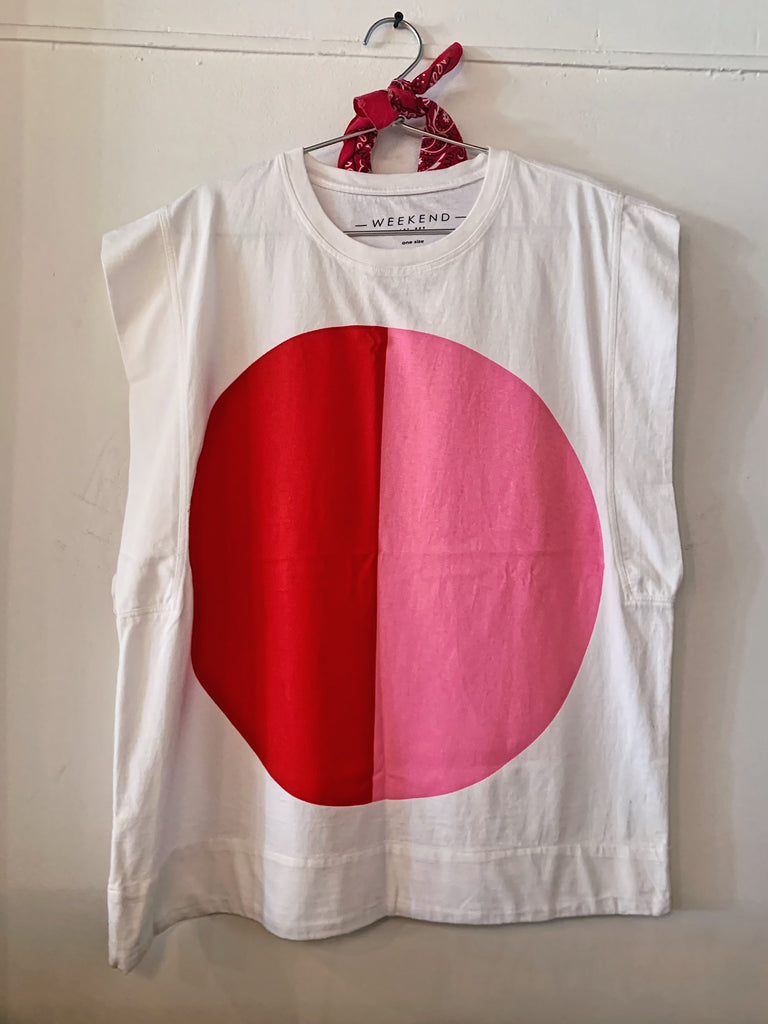 Oversized Sleeveless White Graphic Tee - Red/Pink