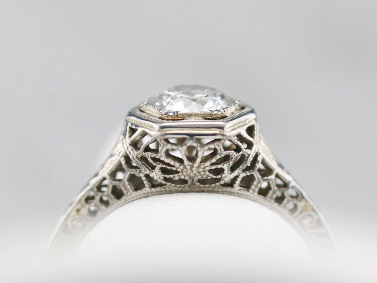 Art Deco ring with basket setting