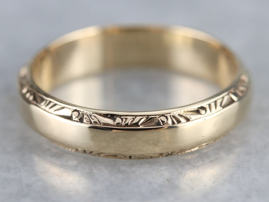 1940s Patterned Gold Wedding Band