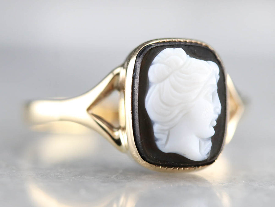 Black Onyx Cameo Gold Ring