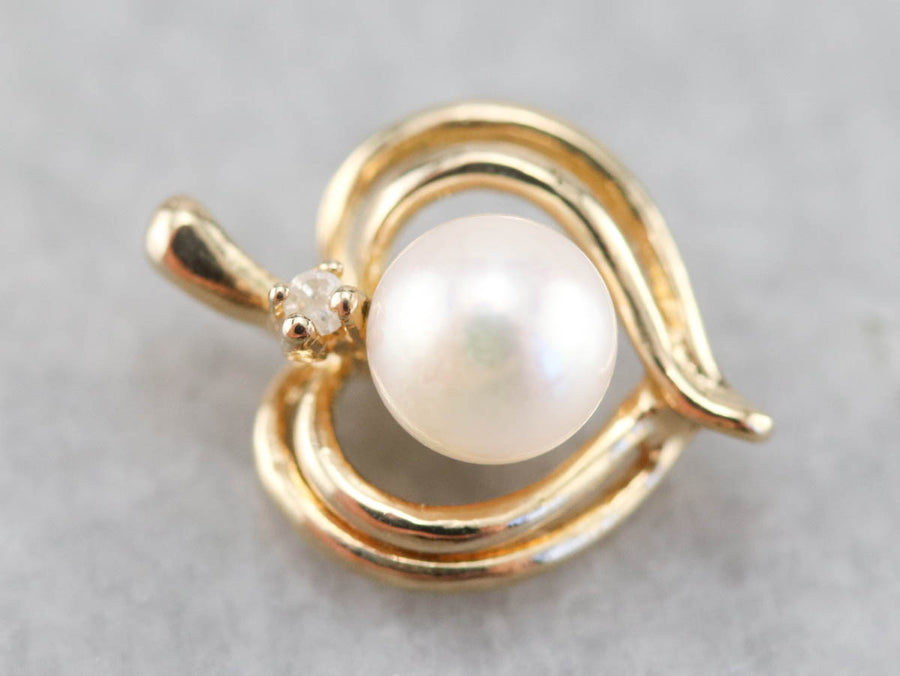 Pearl and Diamond Gold Heart Pendant