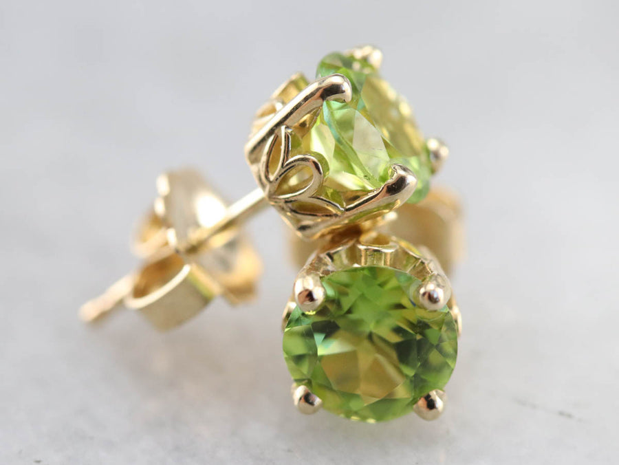 Yellow Gold Peridot Stud Earrings