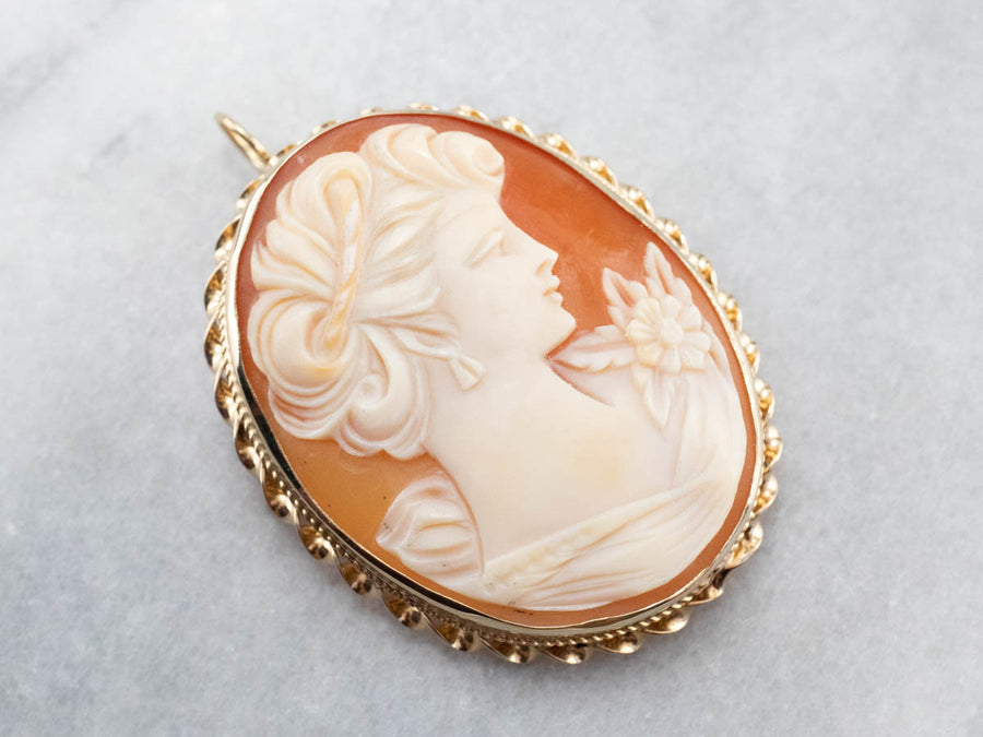 Vintage Gold Cameo Pendant or Brooch