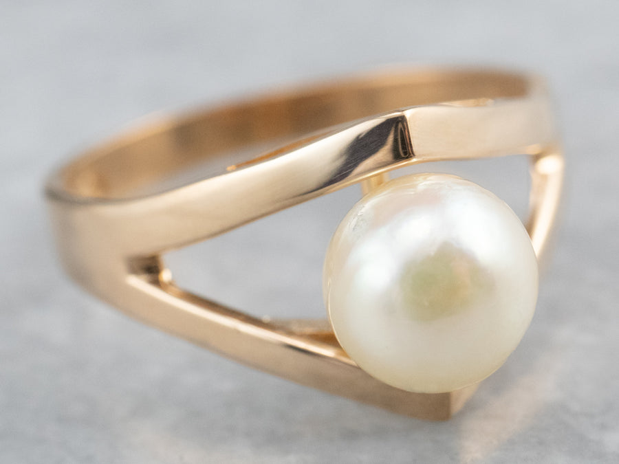 Modernist Pearl 18K Gold Solitaire Ring