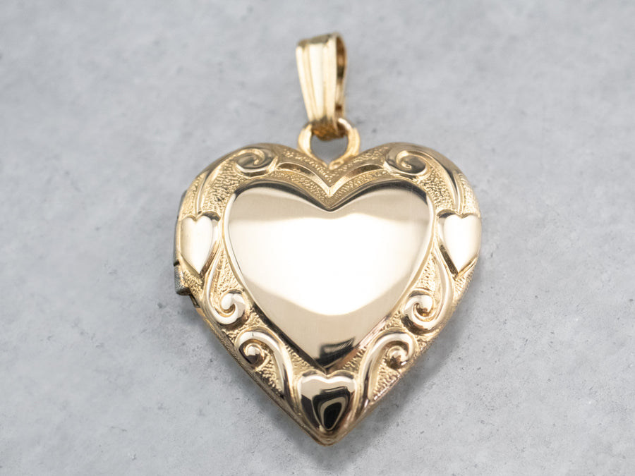 Retro Era Heart Shaped Locket