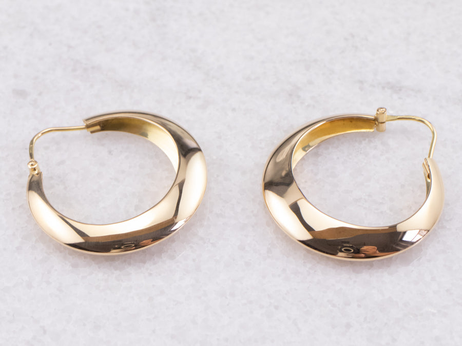 Tapered 18K Gold Hoop Earrings