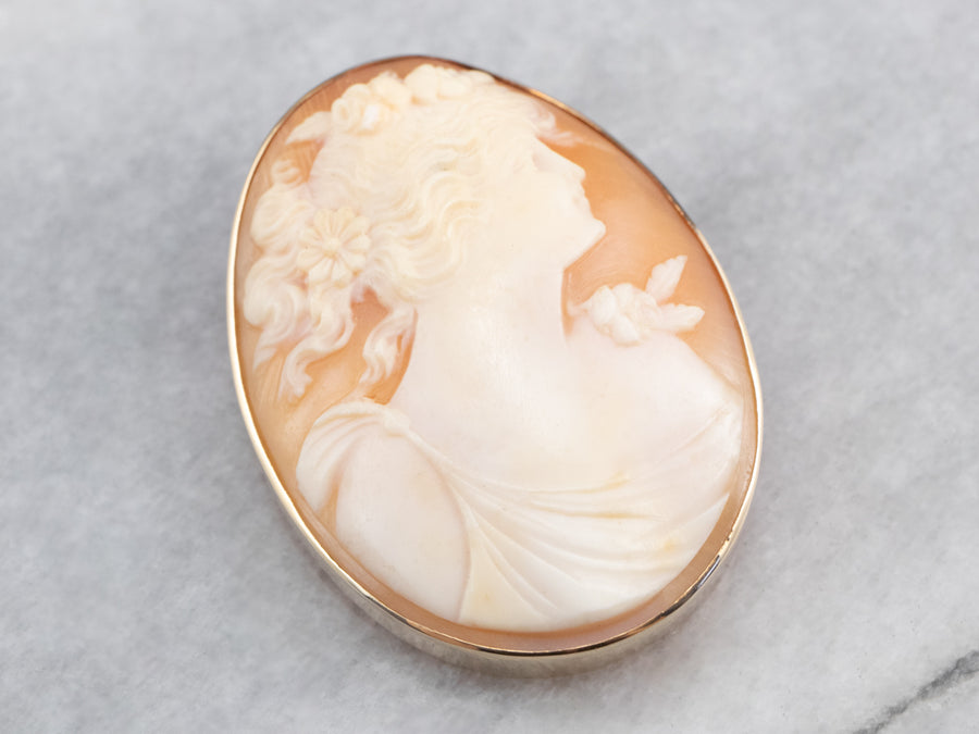 Vintage Gold Cameo Pendant or Pin