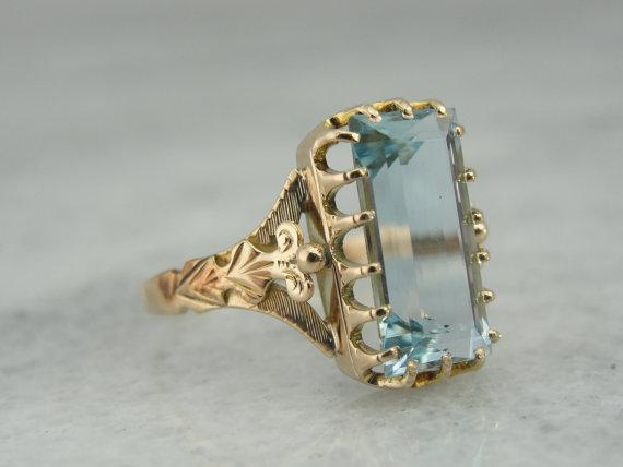 Stunning Victorian Era Ring with Large Blue Aquamarine in Yellow Gold