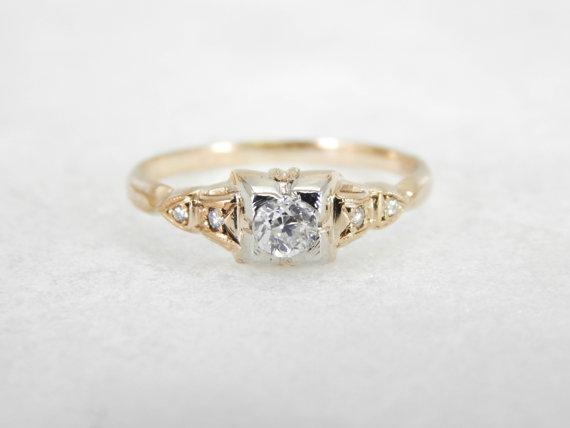 Two Tone 1940s Illusion Head Diamond Engagement Ring