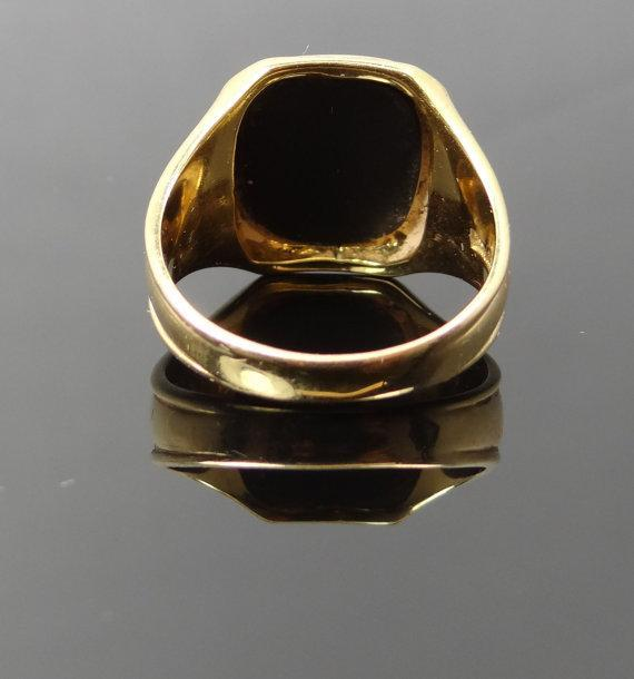 Clean Square Mens Yellow Gold 1950s Onyx Ring