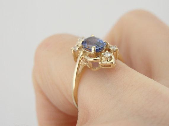 Blue Ceylon Sapphire Swirling Ladies Cocktail or Dinner Ring