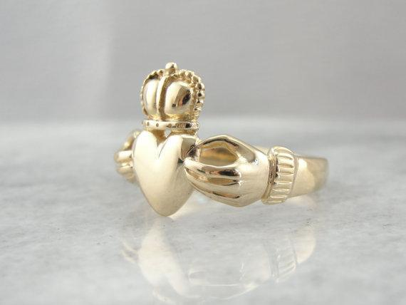 14K Yellow Gold Men s Claddagh Ring