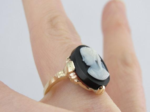 Portrait Black Stone Cameo, Antique Ladies Ring