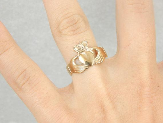 Made in Ireland Yellow Gold Claddagh Ring