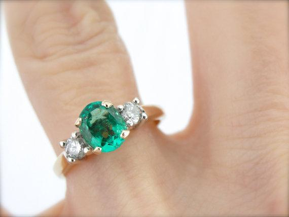 Beautiful Colombian Emerald Two Tone Ring