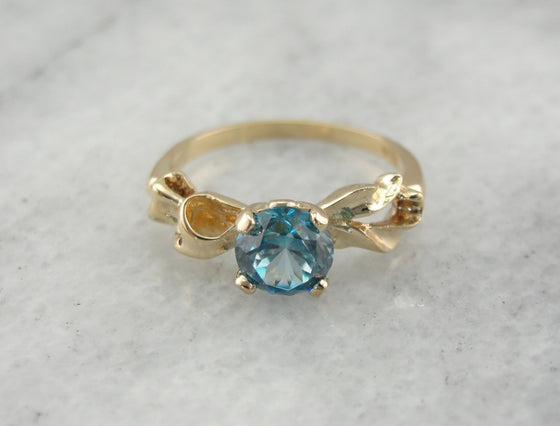 Blue Zircon Vintage Bow Ring in Yellow Gold, Sweet Bow Motif