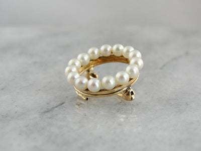 Classic Pearl Circle Brooch, Pearl Halo, for Wedding or Special Occasion in Yellow Gold