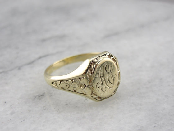 HG Monogram Retro Era  Signet Ring