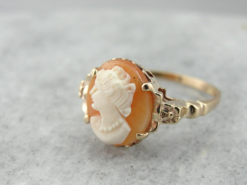 Portrait Cameo Ring in Floral Vintage Mounting