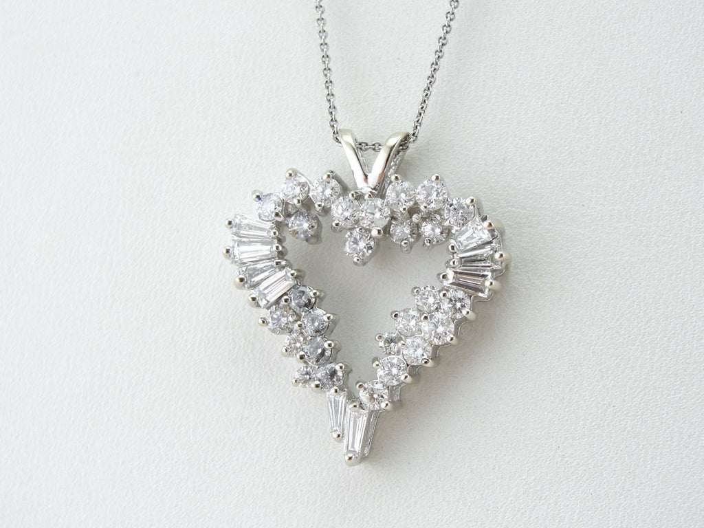 Extraordinary Diamond Heart Pendant, Glittering Cocktail Pendant of the Highest Quality
