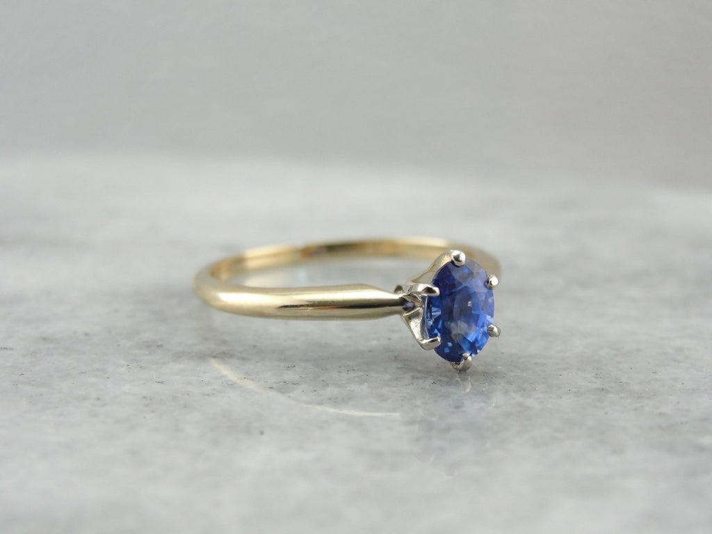 Classic Sapphire Solitaire Engagement Ring in Yellow Gold, Benchmark Quality Gemstone