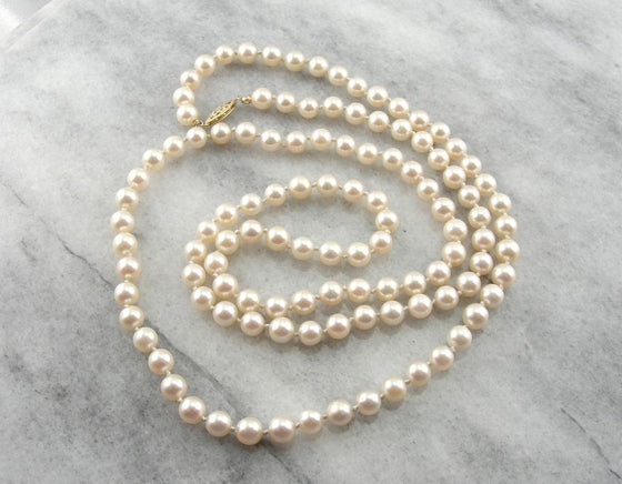 Long Strands: Pink Pearl Necklace