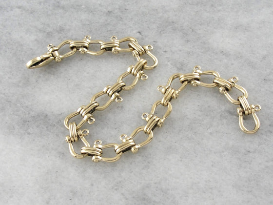 Luxurious Stirrup Link, Equestrian Bracelet in Yellow Gold