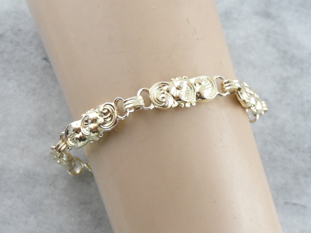 English Decorative Link Bracelet in Yellow Gold