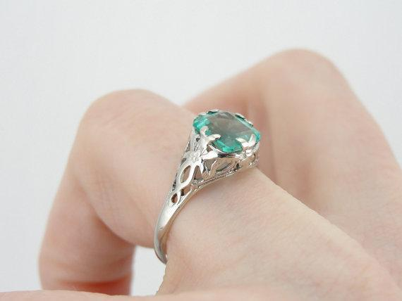 Beautiful Colombian Emerald and White Gold Filigree Ring