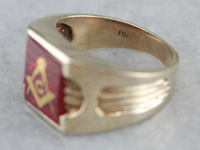 Vintage Red Glass Line Design Masonic Signet Ring