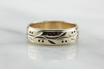 Branches and Berries, Pattern Band in Polished Yellow Gold