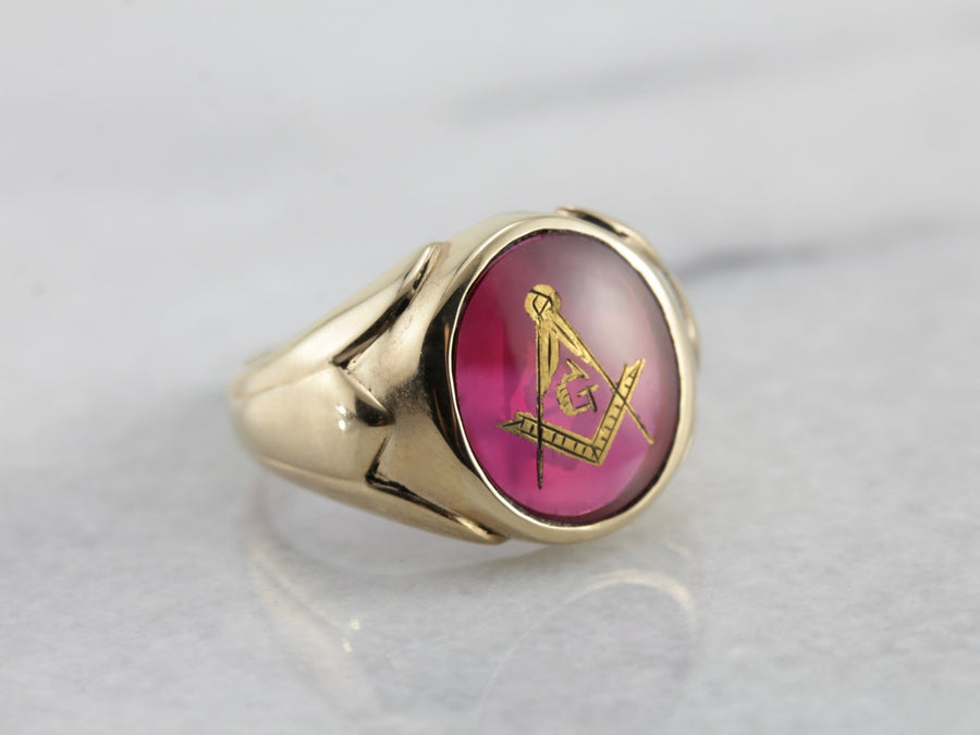 Handsome Oval Red Glass Masonic Signet Ring