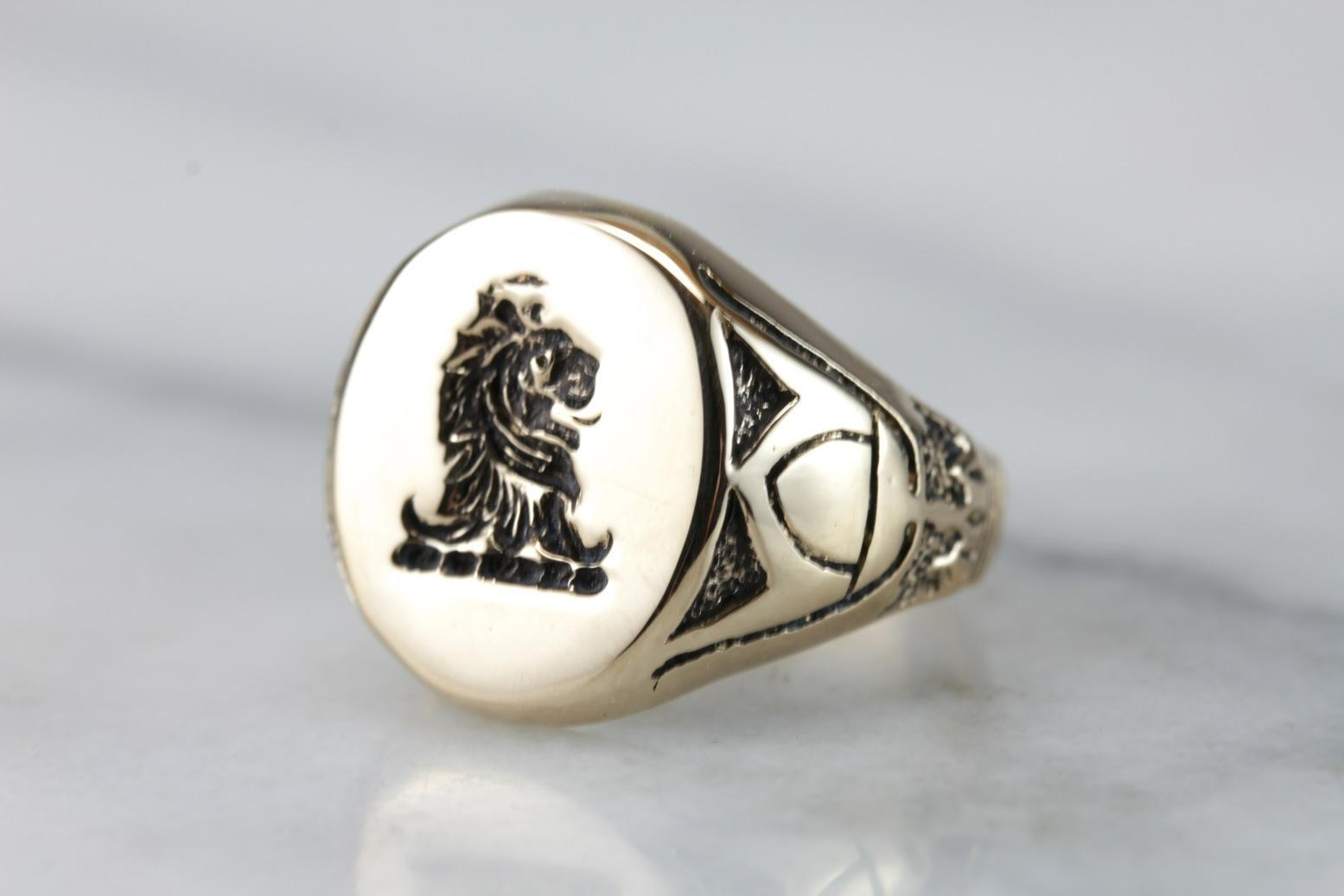 1b2eb03454411 Vintage Egyptian Style Lion Gold Signet Ring