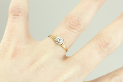 Stylish Simplicity: Retro Era Diamond Engagement Ring