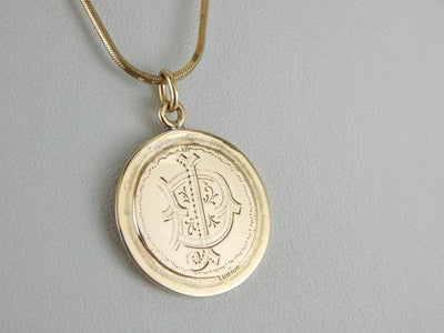 "Vintage Monogramed ""DI"" Yellow Gold Pendant"