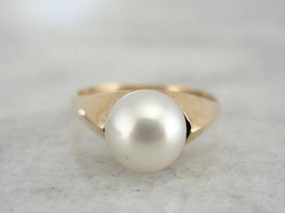 Simple Vintage Yellow Gold Pearl Ring