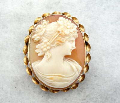 Classical Cameo Brooch with Lovely Workmanship