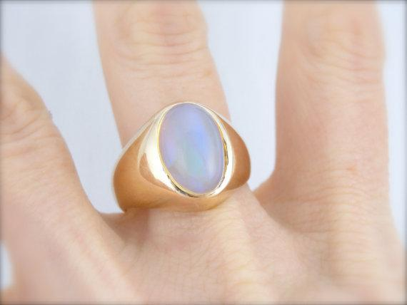 Retro Era Men's Ring with New, Glowing Opal