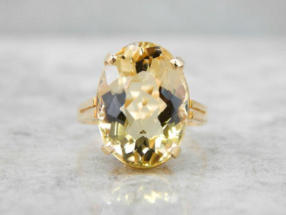 Classic Vintage Yellow Gold Yellow Beryl Ring