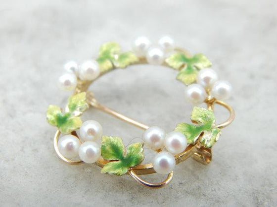 Vintage Pearl Wreath Pin with Pretty Ivy Leaf Details, Circle Brooch