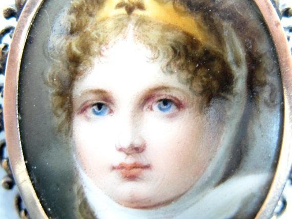 Young Queen Louise Portrait Brooch