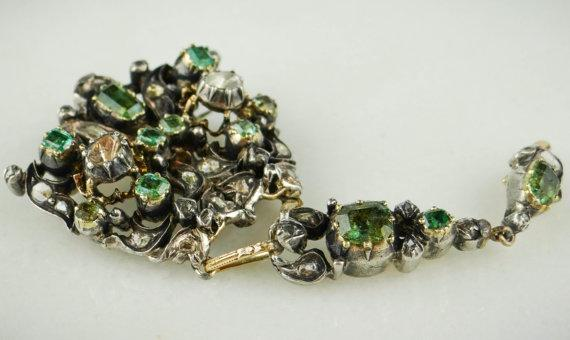 Rare Collectors Brooch with Emeralds and Diamonds