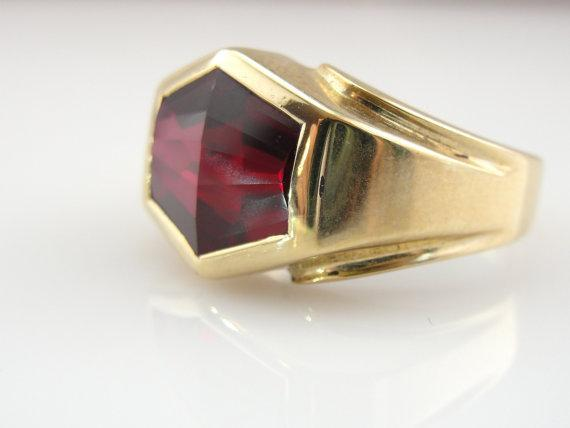 Retro 1960's Synthetic Ruby Men's Ring