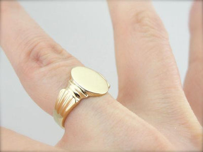 Classical Style Ladies Signet Ring in Fine Gold