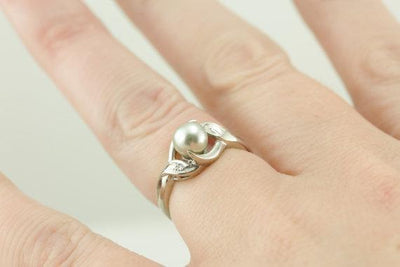 Dove Grey Pearl Cocktail Ring, Vintage Statement Piece in the Mid Century Style