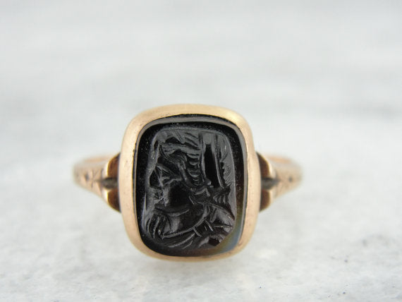 Sardonyx Victorian Cameo Ring in Rose Gold