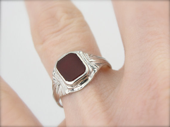Art Deco White Gold Carnelian Ring